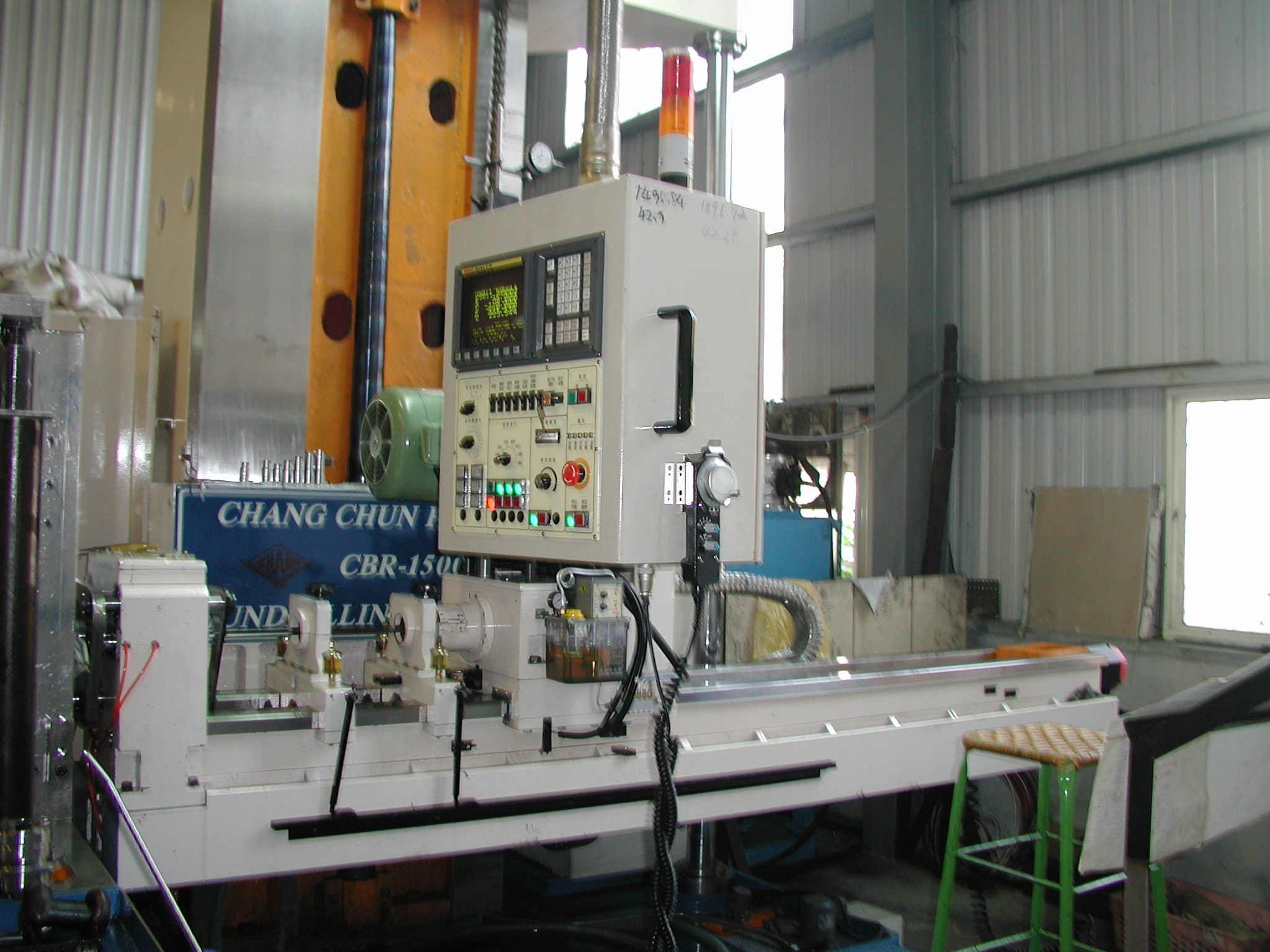 plastic mold manufacturing factory