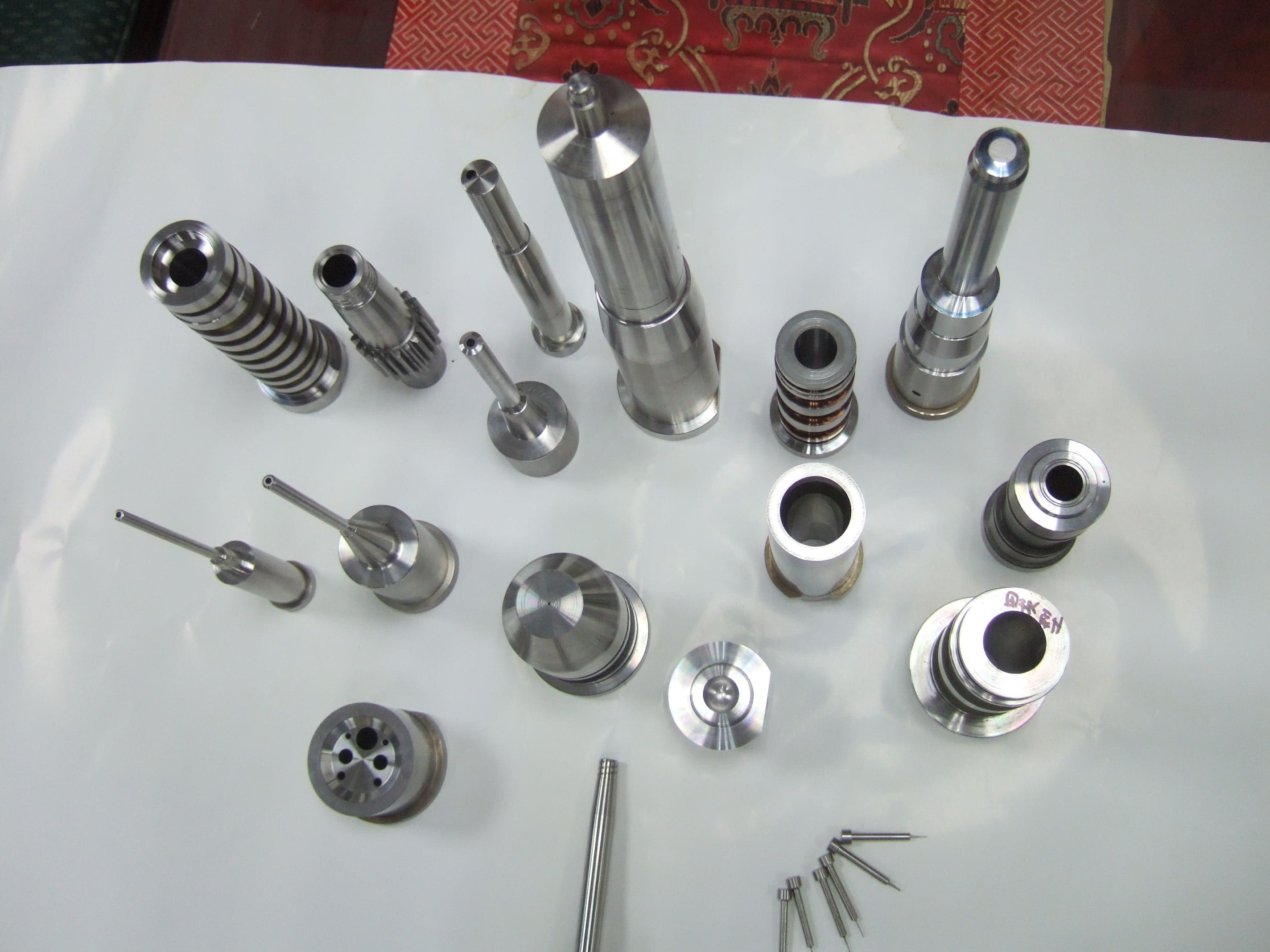 "52-54 HRC, high tolerance +/-0.0005"" mold parts – bushing, sleeve"