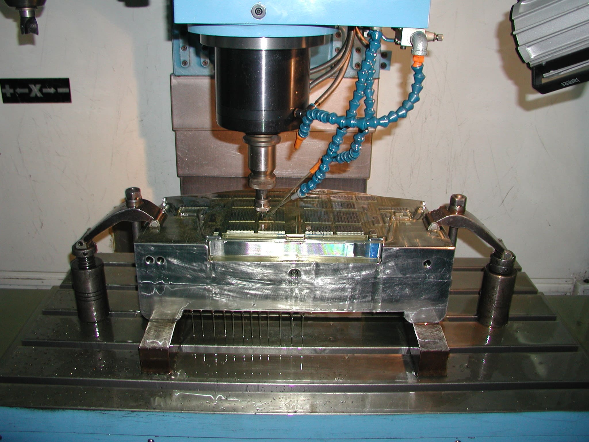 molding manufacturer