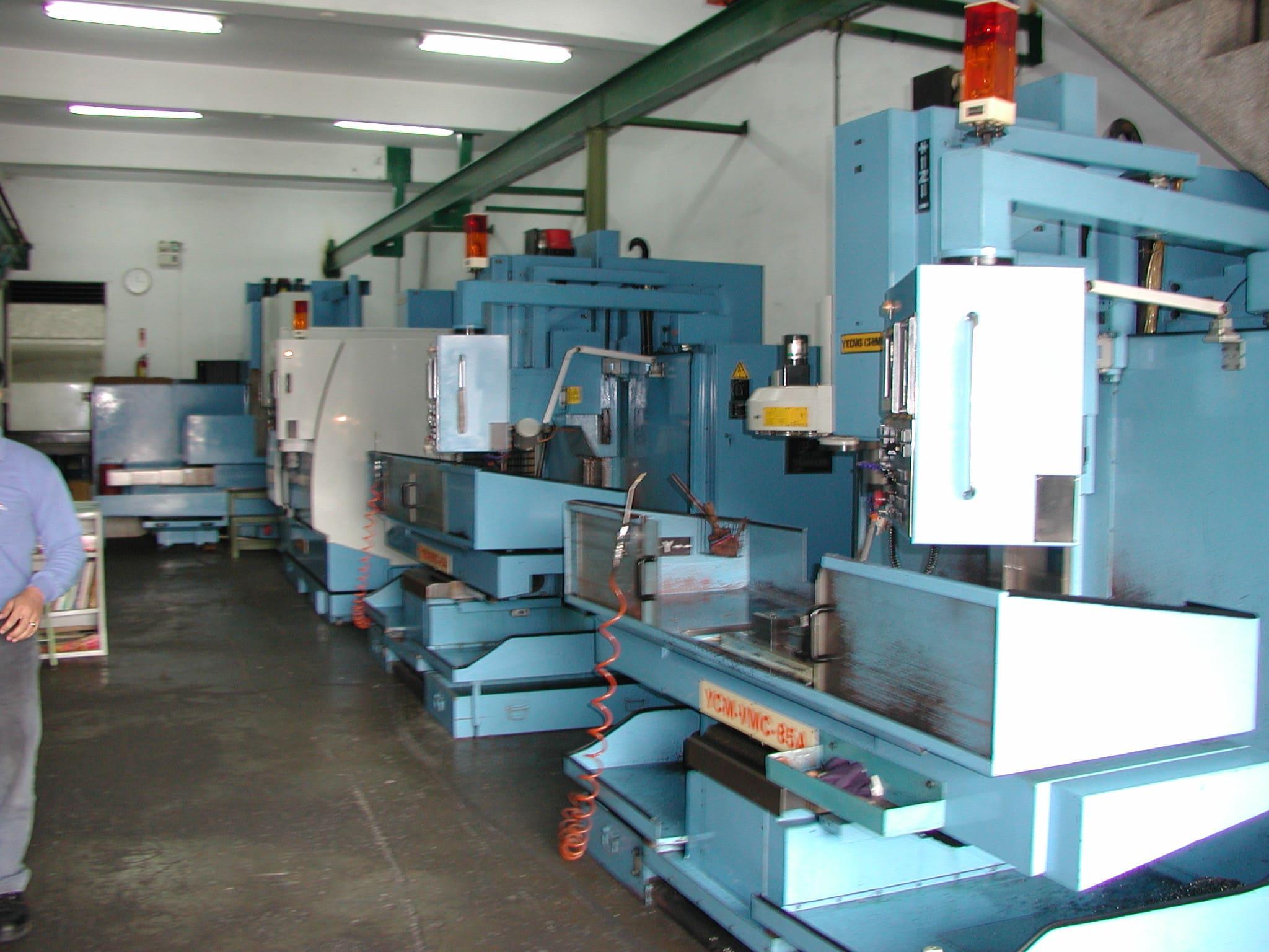 mold maker factory
