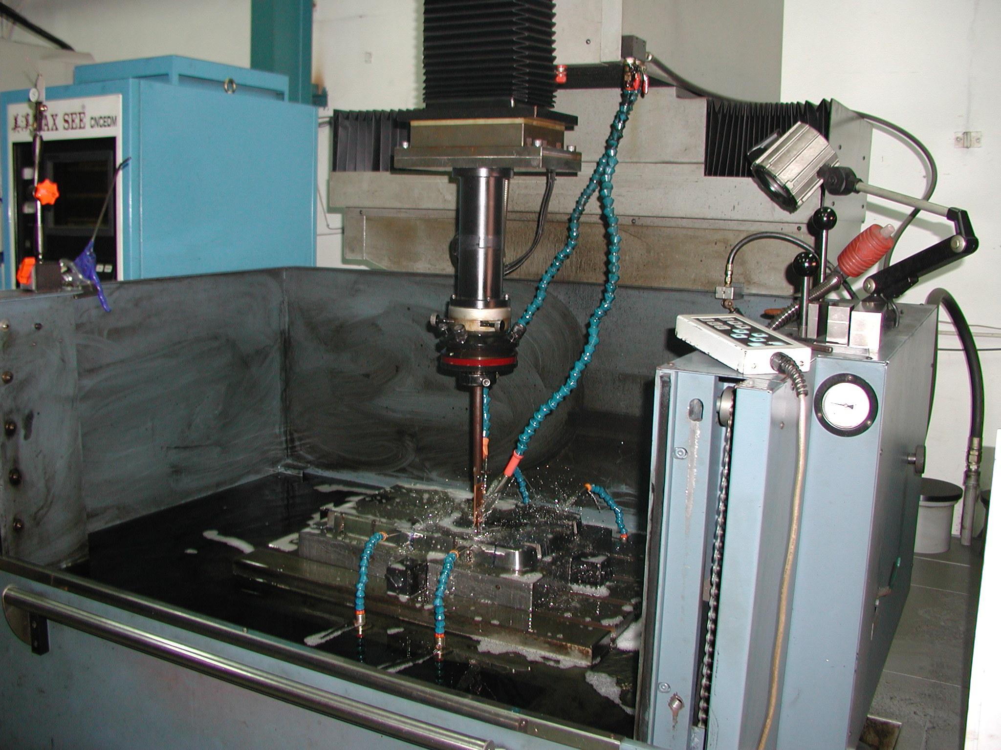 plastic mold manufacturing