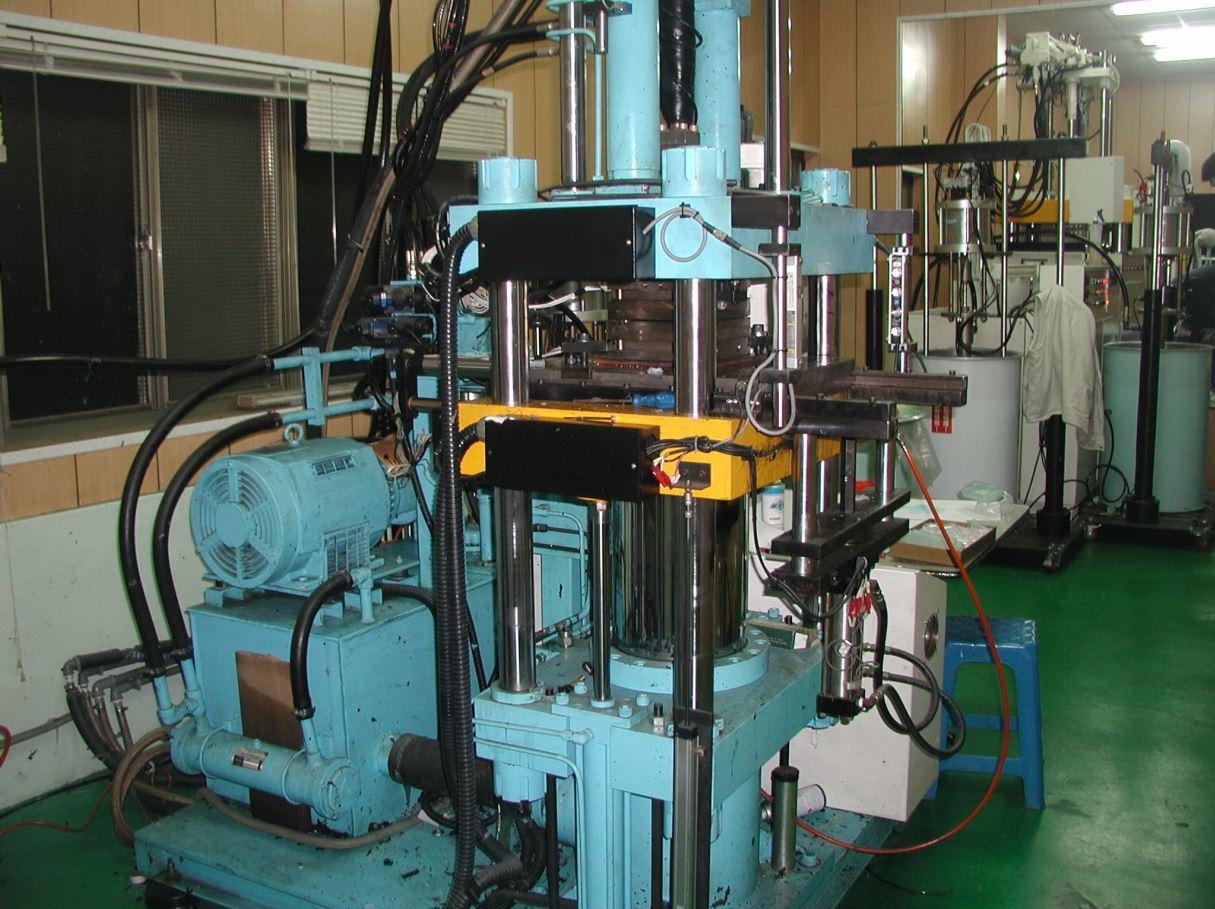 plastic fabrication companies&injection mold