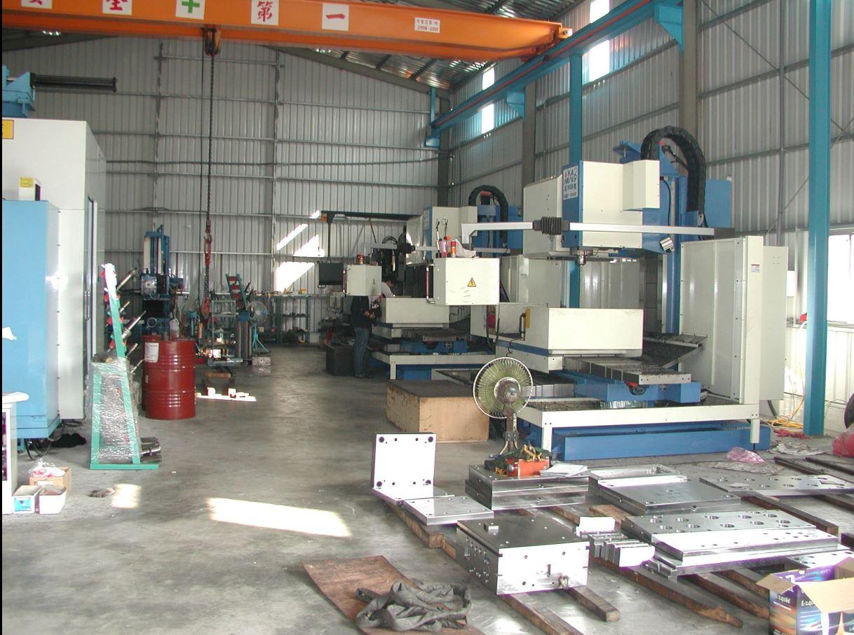 plastic fabrication companies&molding factory