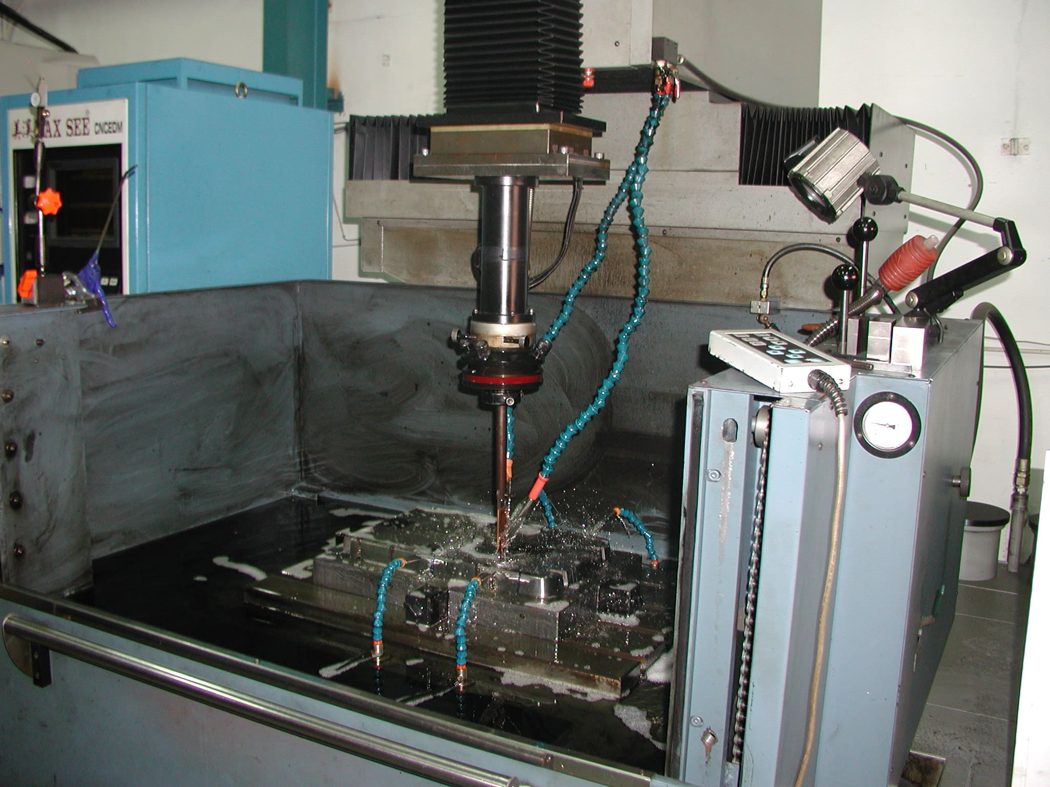 plastic mold manufacturing factory-2